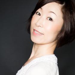 掛水実咲+松本多映子+山本綾奈《振付:久次亜希子》